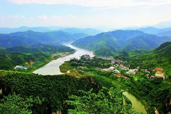 The Nanpan River: A Scenic Waterway in Southeast China